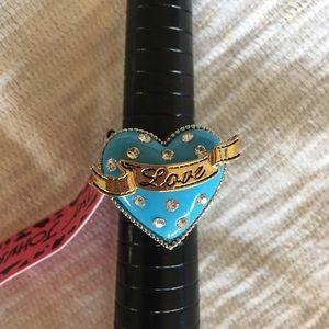 Betsey Johnson stretch heart ring